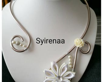 Transparent glass with the kanzashi Flower necklace