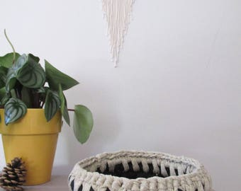 Basket crochet Navy Blue and gold