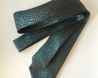 Retro Blue and Black Gradiant Pattern Slim Polyester Vogue Australia brand Mens Necktie 1970s Fashion