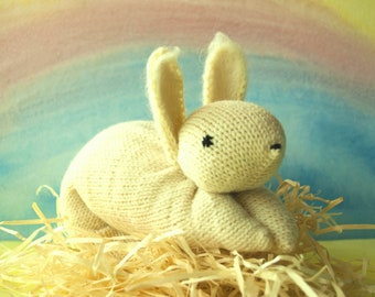 Waldorf knit Bunny Stuffed Animal Knitted Bunny White Rabbit Hand knitted Bunny Stuffed Bunny Waldorf toys Easter decorations Easter figures
