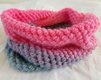 Cowl pink and gray crochet