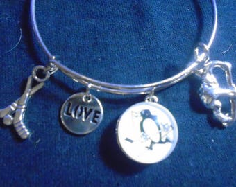 Pittsburgh Penguins dangle 4 charm bracelet