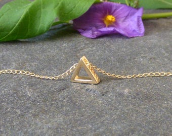 Simple Gold Necklace, Triangle Necklace, Gold filled, Layering Necklace, Minimalist Necklace, Geometric Necklace, Gift for her