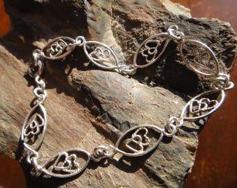 Cute Sterling Silver Heart Bracelet Valentines!
