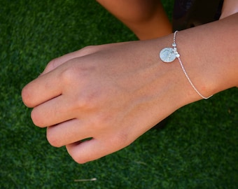 Small Disc Bracelet, Simple Charm Bracelet, Silver Bracelet, Dainty Bracelet, Minimalist Bracelet, Disc Jewelry