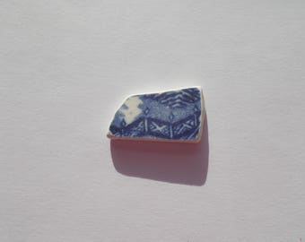 Blue and white willow design sea pottery piece - vintage beach glass