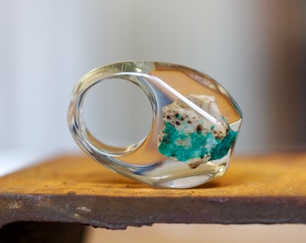 Clear Resin Ring with Emerald Stone, Resin Ring, Resin Jewelry, Botanical Jewelry
