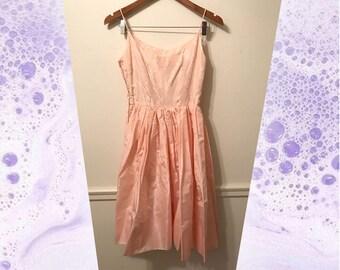 80s Pale Peach Pretty in Pink Taffeta Jacquard Floral Dress with Full Skirt size Medium