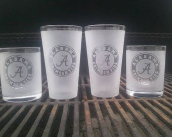 custom Alabama glasses set is a perfect gift.  Crimson Tide Pub and whiskey glasses make for the  perfect gift for dad, Roll Tide.