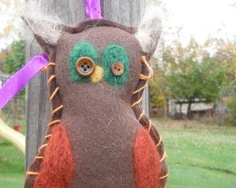 Primitive Owl Ornament