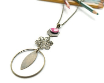 Brass necklace print flower and pink sequin