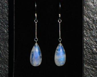 Moonstone earrings, rainbow moonstone earrings, moonstone dangle earrings, moonstone drop earrings, sterling silver earrings with moonstone.