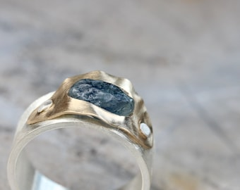 Unique Rough Blue Montana Sapphire Ring 14k Yellow Gold Wide Silver Riveted Setting Wavy Nautical Modern Statement Ring - Sapphire Swell