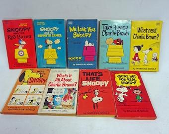 Nice Lot of 9 Vintage Snoopy Charlie Brown Peanuts Paperback Books, Peanuts Comics, Charles M. Schulz