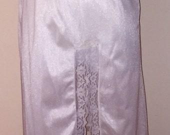 Vintage Cream Nylon Half Slip with Lacy Hem And Lace Slit Sz M