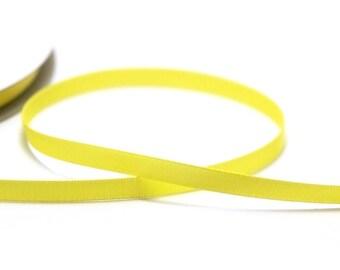 5 m of plain 7 mm yellow Canary satin bias