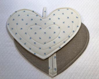 Gloves heart shaped potholders