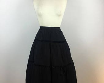 Vintage 1940s Skirt - 40s Black Crepe Swing Skirt - Velvet Bow Trim - Full Swing Midi Circle Formal - Medium - UK 12 / US 8 / EU 40