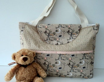 baby quilted tote bag. Mums, baby  tote bag. Mums travel bag. Baby shower gift. Baby boy. Baby girl. Woodland scene.