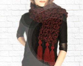 Chunky Scarf. Fringe scarf. Burgundy Scarf. Knit Scarf. Crochet scarf. Statement scarf. Winter scarf. Gift for her