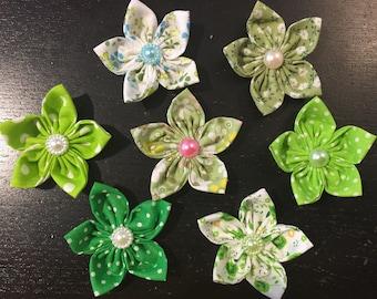 7 fleurs kanzashi,fleur en tissu ,yoyo,fleur,pour customiser vos créations,embellissement, sac ,barrette,broche ,scrapbooking,fleur ,bijoux