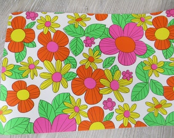 4 Yards Narrow 1960's  70's  Mod Flower Wrapping Paper Vintage Gift Wrap Present Retro Floral Flowers Daisy Daisies Kitsch 12 Feet