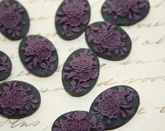 10 unset flower bouquet cameos - Purple on black