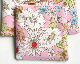 Floral Zipper Pouch, choose your size, Coin purse, Pencil case, Cosmetic bag, gift for her under 15 dollars, Mother's day, Earth day, spring