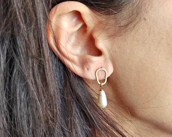 NEW Pearl Earrings, Delicate Earring, Gold Earrings, Bridesmaid Gift, Elegant Earrings, Bridal Jewelry, Gold Stud Pearl Earrings