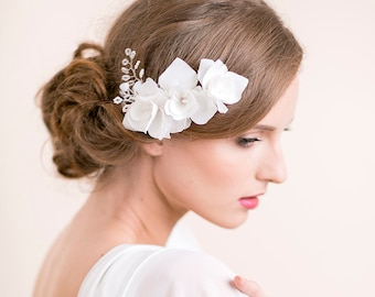Wedding Hair Comb Iris - Bridal Comb Flower - Wedding Hairpiece - Floral Headpiece - Hair Accessories - Flower for Hair