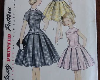 Simplicity 1496 Girls 1950s Dropped Waistline Dress Size 8 Detachable Collar