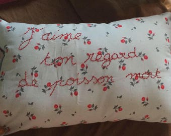 Message cushion - embroidery