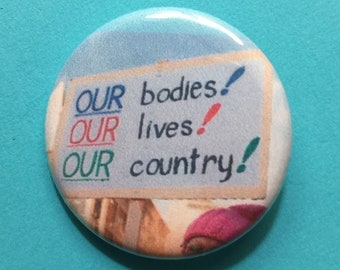 Feminist pin / 1.25 inch pinback button