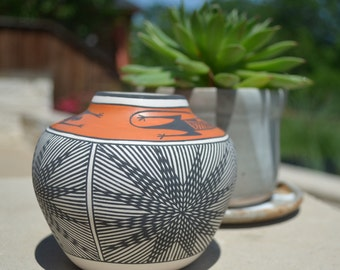 """Vintage Acoma Fluted Pottery Jar, 3.75""""H, signed by Is. Patricio."""