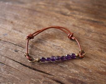 Amethyst and leather adjustable bracelet