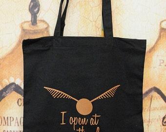 Open/Close tote bag.