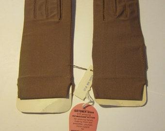 Size One For All ** Moch Brown Nylon 1960s Isotoner Women's Gloves (Deadstock Unworn)