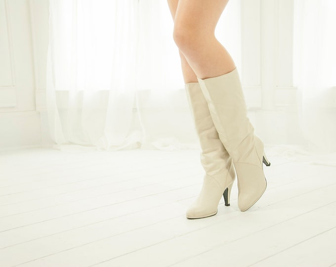 Vintage white leather boots, ivory slouch tall boho retro sexy pull-on calf 1970s 1980s