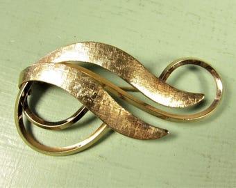 A & Z Ribbon Brooch - Vintage 12k GF Gold Filled Textured