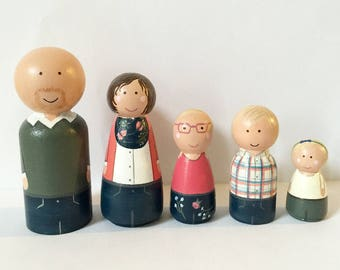 Peg doll family - Custom family of 5 - wooden dolls - wooden toys - peg people - family portrait - family photo - peg dolls - personalized