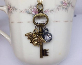 Vintage Bee Key
