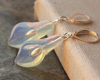 Calla Lily Earrings, Calla flower earrings, Opalite glass, calla lily wedding jewelry, Cala lily earrings, E489