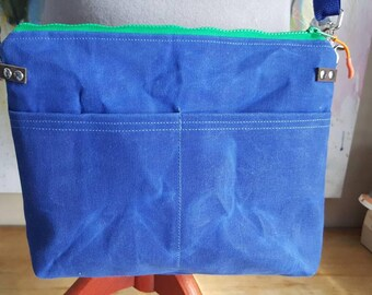 Beautiful Waxed Canvas Messenger Bag