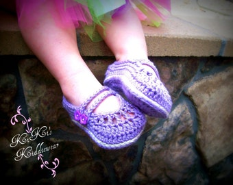 Baby Booties, crib shoes, baby slippers // Made with Pima Cotton // Many colors and sizes to choose from // Baby shower gift