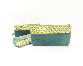 Large velvet green cosmetic case