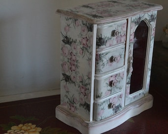 vintage cabbage roses  charming shabby chic jewelry box casket