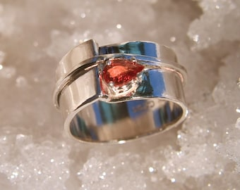 Embers - Orange Sapphire gemstone ring