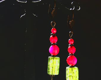 Pink agate, fuchsia and metallic green glass earrings