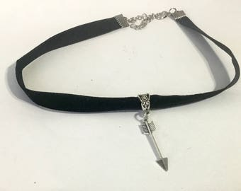 Velvet choker necklace - arrow necklace - black velvet choker necklace - arrow charm necklace - arrow jewelry - velvet choker - black choker