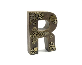 Deco letters in a steampunk look